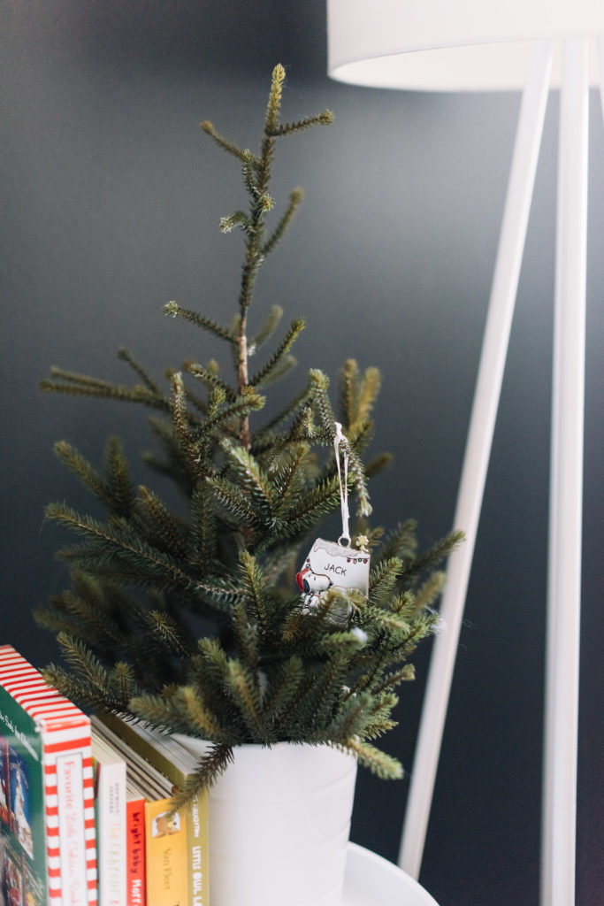 Modern Minimal Holiday Home Tour, holiday decor, minimal holiday decor, Scandinavian holiday decor