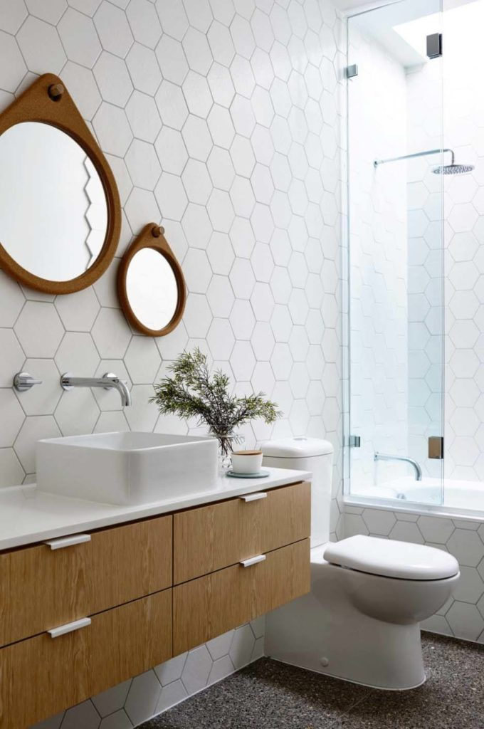 Mid century modern bathroom design inspo the best for Affordable bathroom accessories