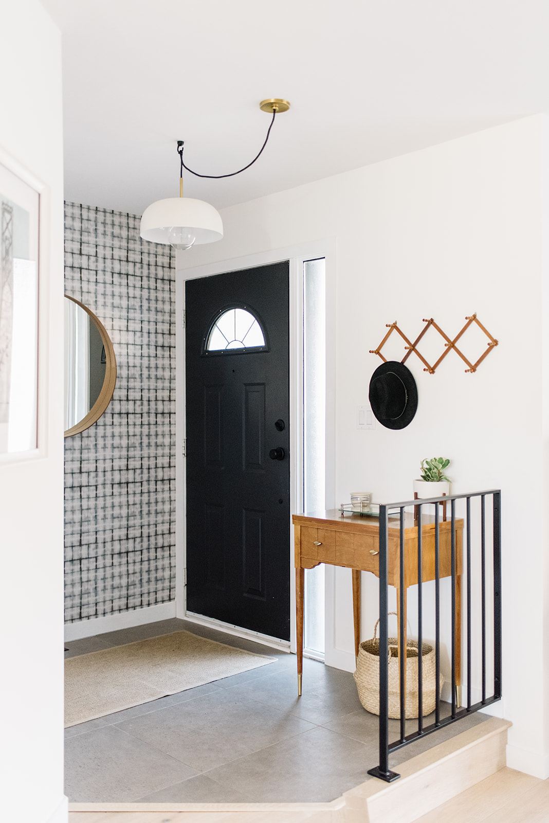 front entry, modern front entry design, front entry ideas, wallpaper front entry