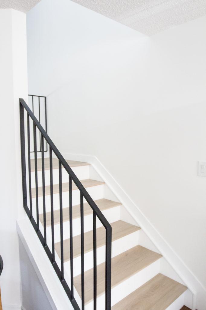 Modern Metal Railings + A Sleek Staircase Design ...
